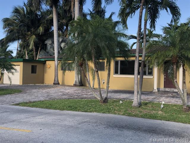 707 N 13th Ave, Hollywood, FL 33019 (MLS #A10685563) :: RE/MAX Presidential Real Estate Group