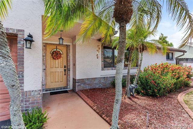 4701 SW 57th Ter, Davie, FL 33314 (MLS #A10685604) :: Green Realty Properties
