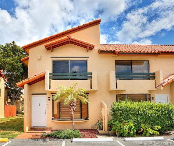 10206 SW 77th Ct #10206, Miami, FL 33156 (MLS #A10685777) :: The Edge Group at Keller Williams
