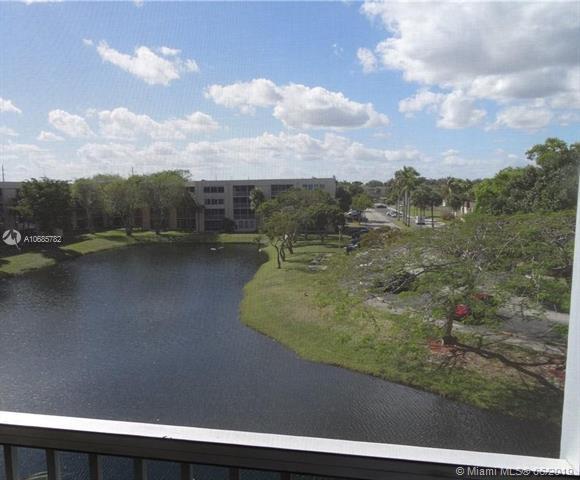 3101 NW 47th Ter #435, Lauderdale Lakes, FL 33319 (MLS #A10685782) :: Grove Properties