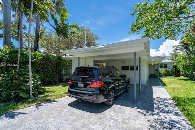 9472 Bay Dr, Surfside, FL 33154 (MLS #A10685988) :: The Jack Coden Group