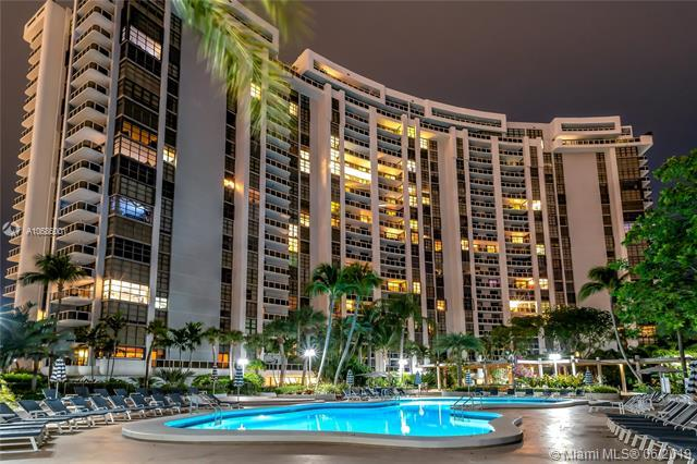 9 Island Ave #1606, Miami Beach, FL 33139 (MLS #A10686001) :: The Teri Arbogast Team at Keller Williams Partners SW