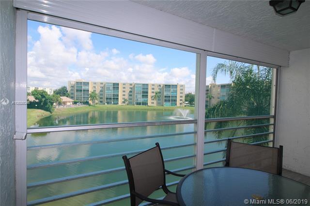 441 SE 3rd St #302, Dania Beach, FL 33004 (MLS #A10686046) :: EWM Realty International