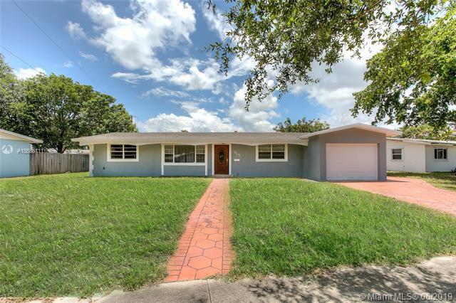315 NW 48th Ter, Plantation, FL 33317 (MLS #A10686111) :: Grove Properties