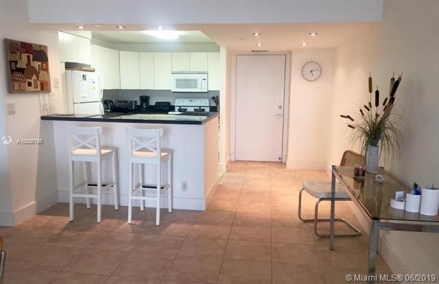 100 Bayview Dr #727, Sunny Isles Beach, FL 33160 (MLS #A10686198) :: Berkshire Hathaway HomeServices EWM Realty