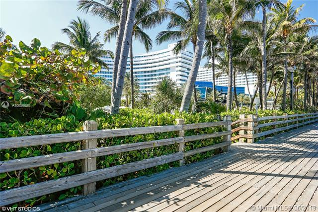 4401 Collins Ave #2611, Miami Beach, FL 33140 (MLS #A10686659) :: The Teri Arbogast Team at Keller Williams Partners SW