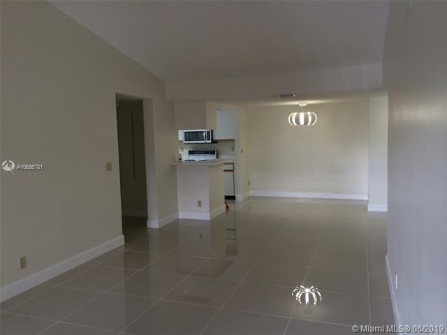 9811 Westview Dr #925, Coral Springs, FL 33076 (MLS #A10686781) :: Grove Properties