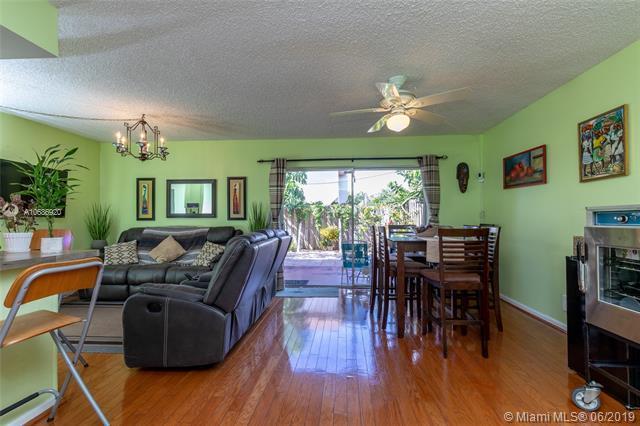 6605 SW 41st Pl #49, Davie, FL 33314 (MLS #A10686920) :: Green Realty Properties