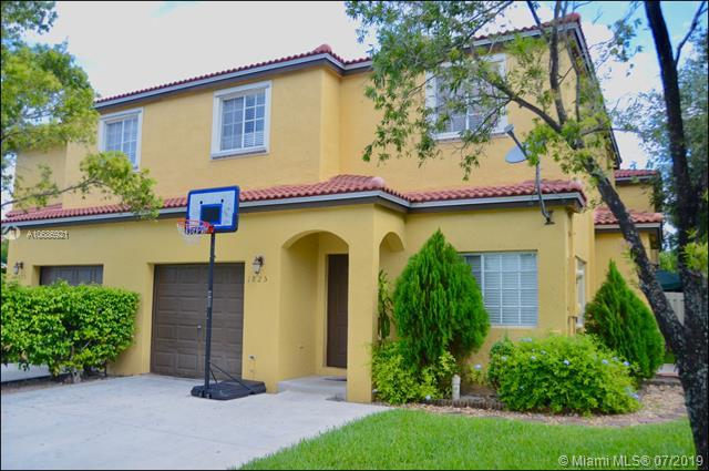1825 SW 101st Ter, Miramar, FL 33025 (MLS #A10686921) :: The Riley Smith Group