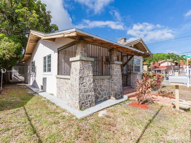994 NW 2nd St, Miami, FL 33128 (MLS #A10686925) :: Green Realty Properties