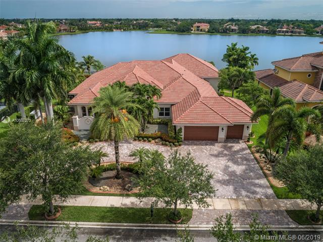 19361 Waters Edge St, Weston, FL 33332 (MLS #A10687273) :: Castelli Real Estate Services