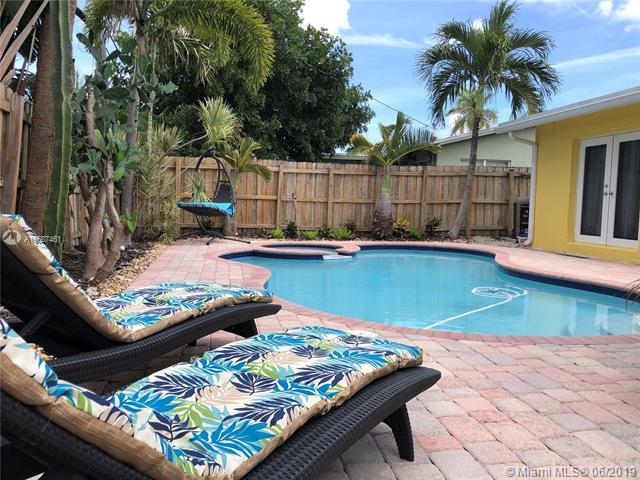 725 NW 29th St, Wilton Manors, FL 33311 (MLS #A10687461) :: The Brickell Scoop