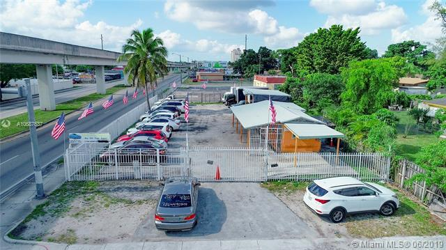 5960 NW 27th Ave, Miami, FL 33142 (MLS #A10687637) :: The Kurz Team