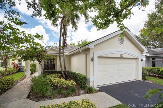 8843 Ivy Ct, Davie, FL 33328 (MLS #A10687686) :: The Riley Smith Group