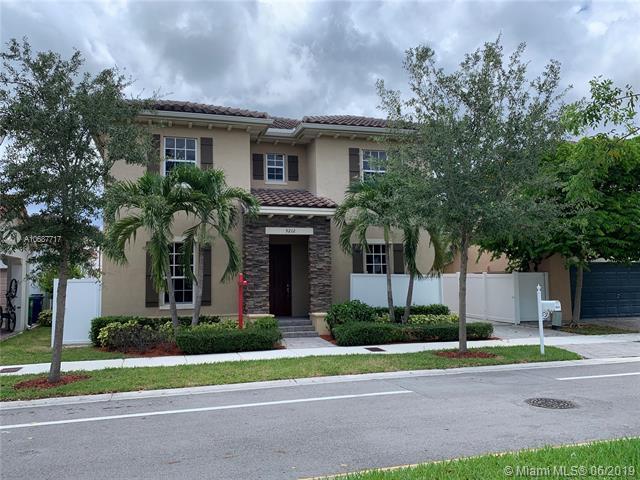 9212 SW 171 CT, Miami, FL 33196 (MLS #A10687717) :: The Brickell Scoop