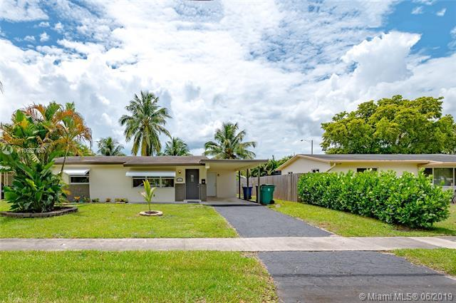 5181 SW 95th Ave, Cooper City, FL 33328 (MLS #A10687788) :: The Brickell Scoop