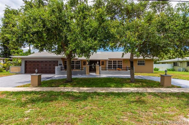 6591 NW 9th St, Plantation, FL 33317 (MLS #A10687913) :: The Teri Arbogast Team at Keller Williams Partners SW