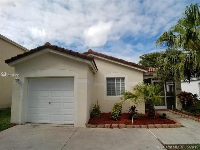 4637 SW 12th St, Deerfield Beach, FL 33442 (MLS #A10687954) :: The Brickell Scoop