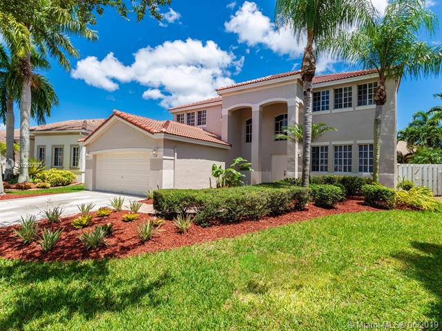 928 Greenwood Road, Weston, FL 33327 (MLS #A10687971) :: The Edge Group at Keller Williams