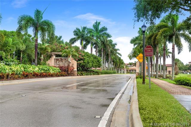 869 SW 146th Ter #869, Pembroke Pines, FL 33027 (MLS #A10688159) :: EWM Realty International