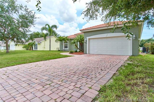 2032 SW Monterrey Ln, Port Saint Lucie, FL 34953 (MLS #A10688460) :: Grove Properties