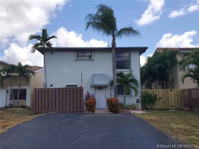 14725 SW 107th Ter, Miami, FL 33196 (MLS #A10688498) :: The Paiz Group