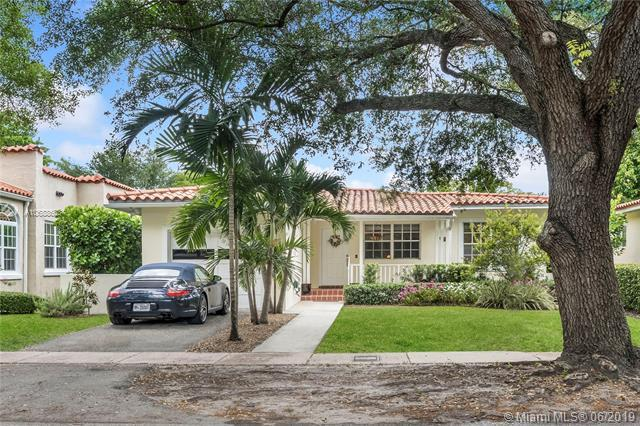 419 Majorca Ave, Coral Gables, FL 33134 (MLS #A10688663) :: The Jack Coden Group