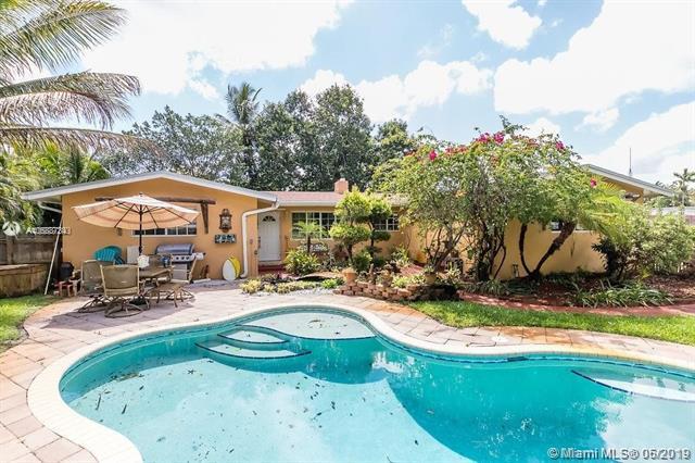 2 S Bel Air Dr, Plantation, FL 33317 (MLS #A10688734) :: EWM Realty International