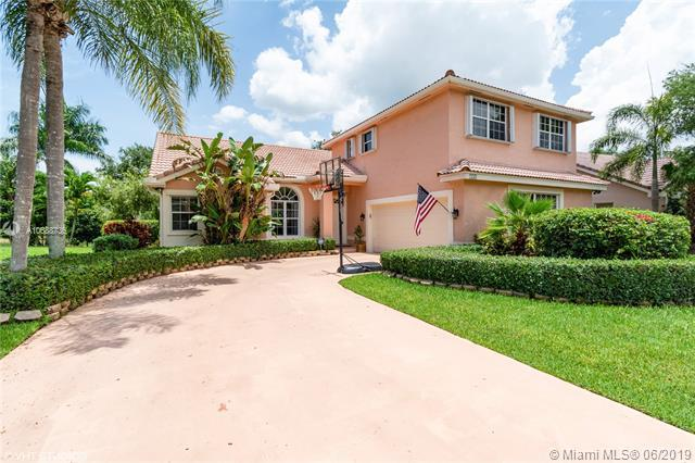 730 NW 177th Ave, Pembroke Pines, FL 33029 (MLS #A10688736) :: Green Realty Properties