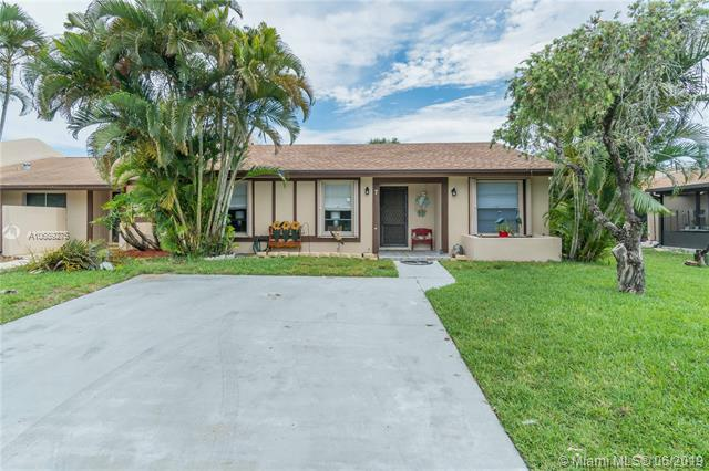 7 Chelsea Ln, Boynton Beach, FL 33426 (MLS #A10689275) :: The Paiz Group