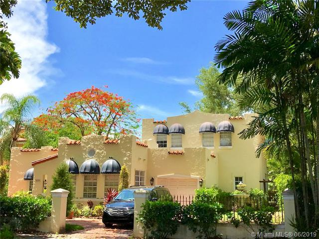 1021 Almeria Avenue, Coral Gables, FL 33134 (MLS #A10689291) :: EWM Realty International