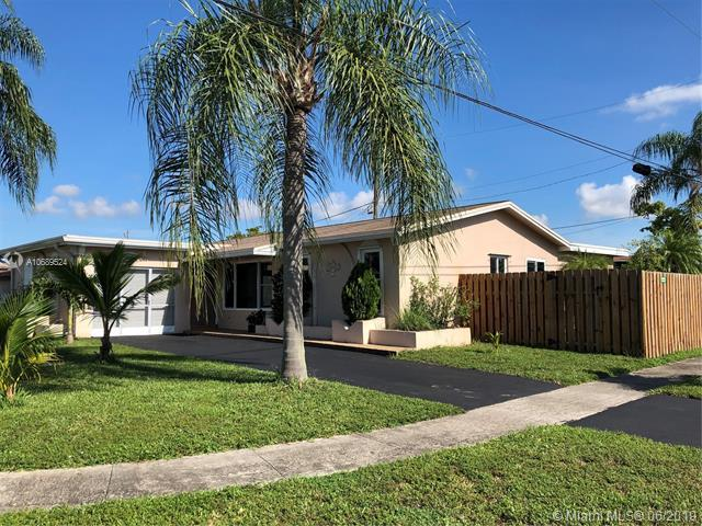 10581 NW 26th Pl, Sunrise, FL 33322 (MLS #A10689524) :: The Brickell Scoop