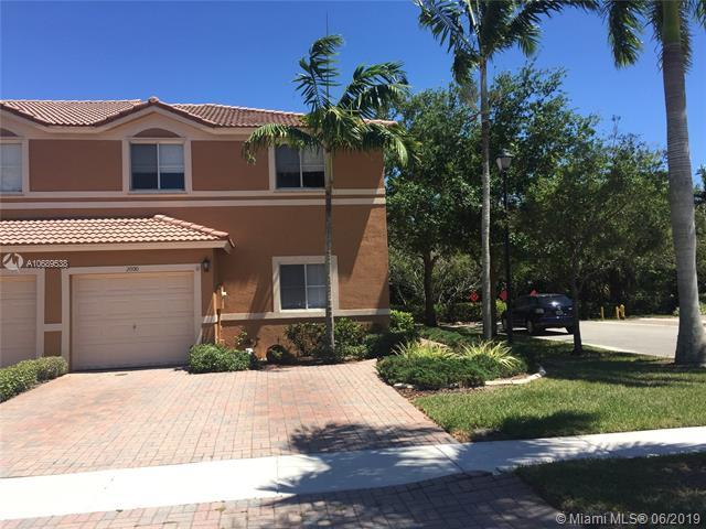 2000 NW 99th Way, Sunrise, FL 33322 (MLS #A10689538) :: Green Realty Properties