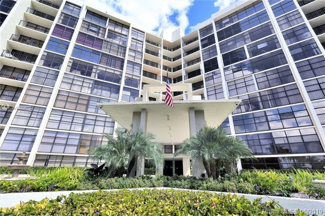 600 Parkview Dr #219, Hallandale, FL 33009 (MLS #A10689572) :: EWM Realty International