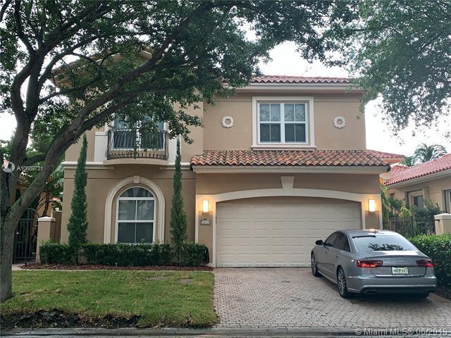 1515 Breakwater Ter, Hollywood, FL 33019 (MLS #A10689731) :: Green Realty Properties