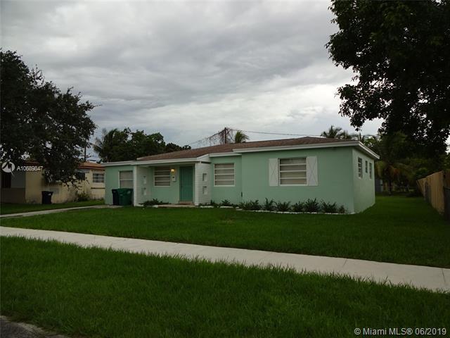16961 SW 301 St, Homestead, FL 33030 (MLS #A10689847) :: The Kurz Team