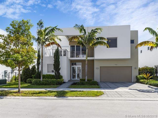 7555 NW 100th Ave, Miami, FL 33178 (MLS #A10689878) :: Green Realty Properties