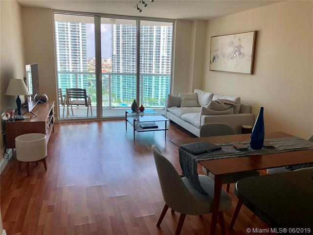 31 SE 5th St #3105, Miami, FL 33131 (MLS #A10689944) :: Grove Properties