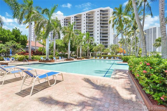 3610 Yacht Club Dr #401, Aventura, FL 33180 (MLS #A10690027) :: RE/MAX Presidential Real Estate Group