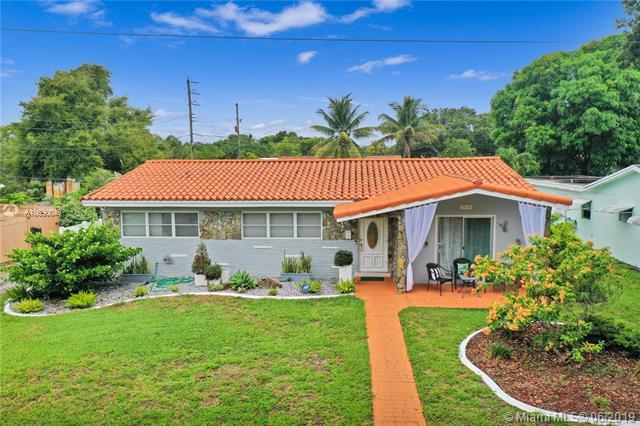 1904 N 36th Ave, Hollywood, FL 33021 (MLS #A10690049) :: Green Realty Properties