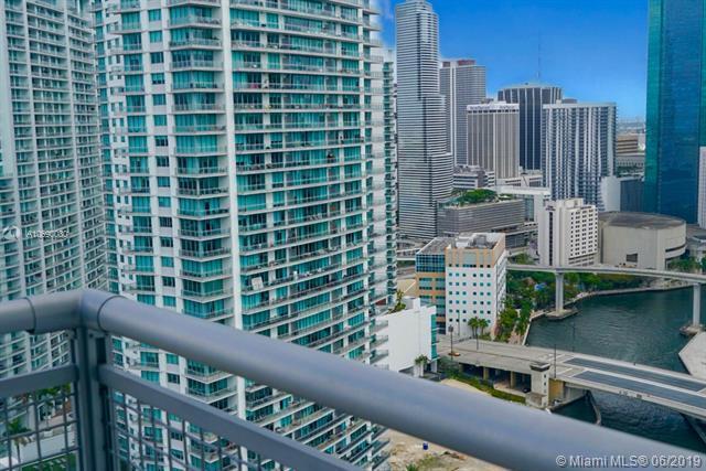 690 SW 1 Ct Phii03, Miami, FL 33130 (MLS #A10690080) :: The Paiz Group