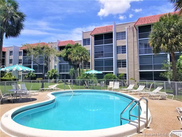 3531 Inverrary Dr #306, Lauderhill, FL 33319 (MLS #A10690136) :: Berkshire Hathaway HomeServices EWM Realty