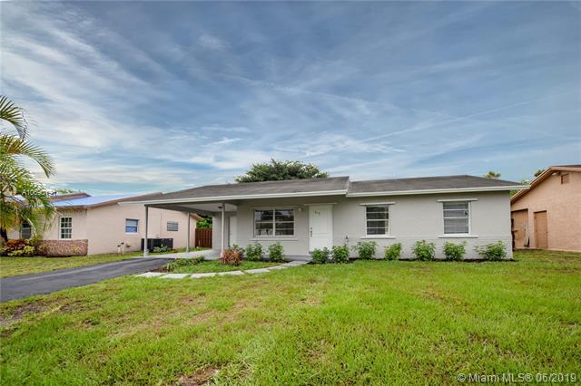 315 SW 79th Ave, North Lauderdale, FL 33068 (MLS #A10690191) :: Berkshire Hathaway HomeServices EWM Realty