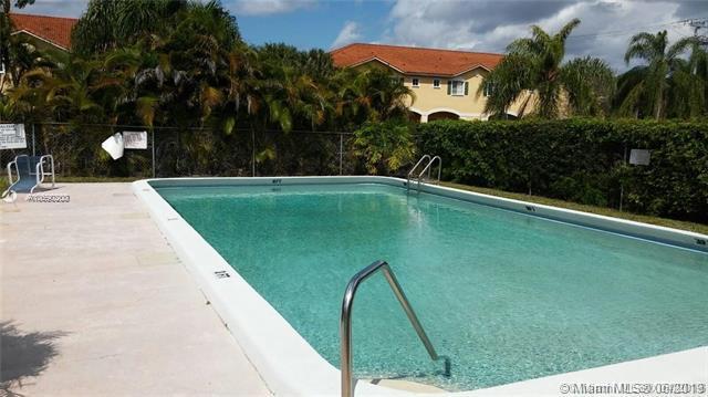 1891 N Lauderdale Ave #108, North Lauderdale, FL 33068 (MLS #A10690200) :: Berkshire Hathaway HomeServices EWM Realty