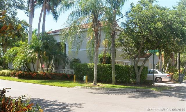 935 Scarlet Oak Ter, Hollywood, FL 33019 (MLS #A10690386) :: The Brickell Scoop
