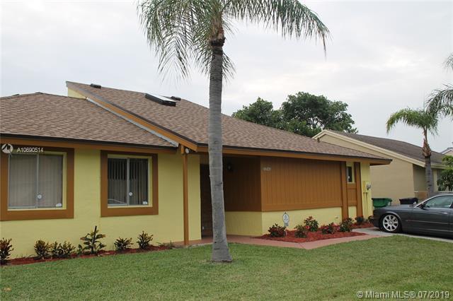 20946 SW 122nd Ct, Miami, FL 33177 (MLS #A10690514) :: Berkshire Hathaway HomeServices EWM Realty