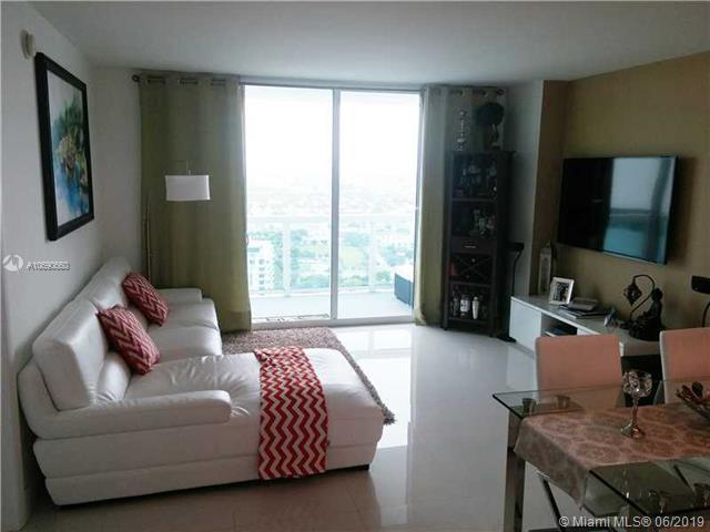 1800 N Bayshore Dr #3704, Miami, FL 33132 (MLS #A10690660) :: EWM Realty International