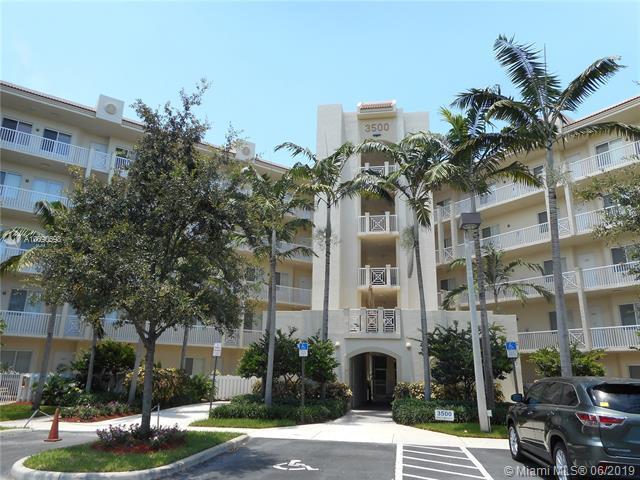 3500 Oaks Clubhouse Dr #405, Pompano Beach, FL 33069 (MLS #A10690698) :: EWM Realty International