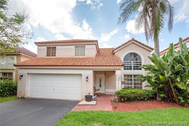 2657 Oak Park Cir, Davie, FL 33328 (MLS #A10690716) :: RE/MAX Presidential Real Estate Group