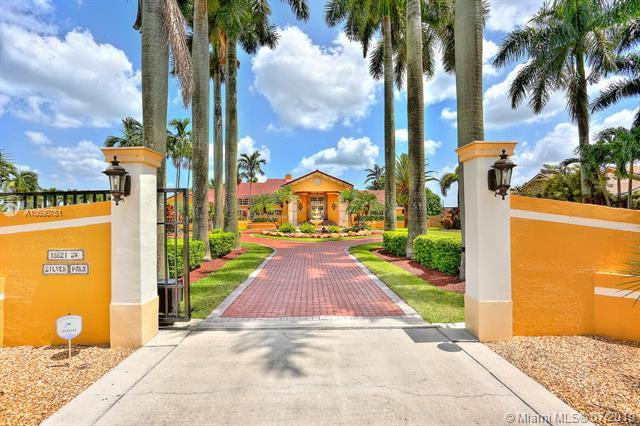18621 SW 232nd Street, Miami, FL 33170 (MLS #A10690751) :: Green Realty Properties